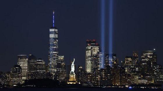 بالصور: الولايات المتحدة تحيي ذكرى هجمات 11 سبتمبر بالصمت والدموع صورة رقم 10