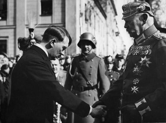 قبل الحرب.. النازي هتلر فاز بـ99% في انتخابات ألمانيا صورة رقم 5