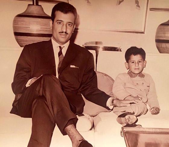 صورة قديمة نادرة.. من هذا الطفل الظاهر مع الملك سلمان؟ صورة رقم 2