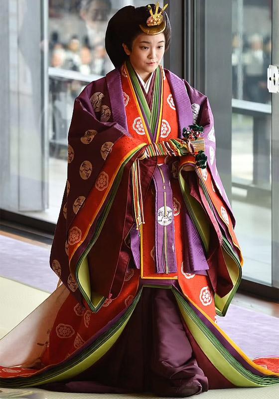 من أجل الحب.. أميرة يابانية تتخلى عن مليون دولار صورة رقم 17