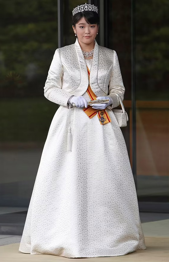 من أجل الحب.. أميرة يابانية تتخلى عن مليون دولار صورة رقم 2