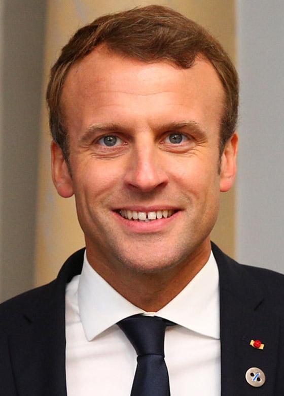 بالفيديو: الاعتداء على الرئيس الفرنسي ماكرون ورشقه بالبيض! صورة رقم 13