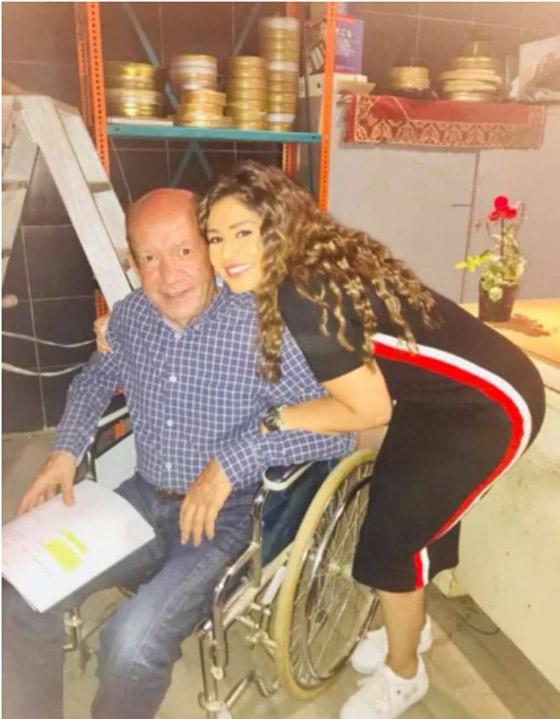 صور: 5 نجوم عرب فقدوا القدرة على المشي وظهروا على كرسي متحرك صورة رقم 2