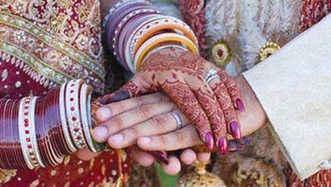 عروس هندية تغادر مراسم الزواج بسبب فشل زوجها باختبار للرياضيات!